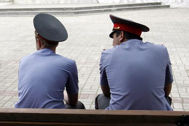 Рис. 3. Бездействие полицейских. Источник: сайт «ТВ МИГ»