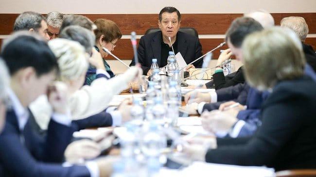 Рис. 1. Заседание комитета по бюджету и налогам. Источник: сайт duma.gov.ru