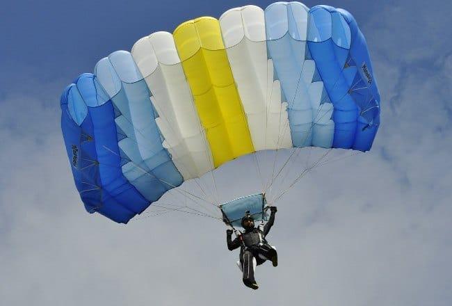 Рис. 2. Планирующий парашют «крыло»
