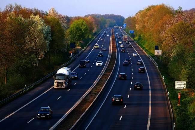 Рис. 4. Автомагистраль в Германии