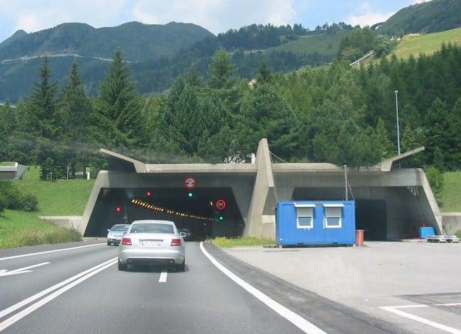 Рис. 6. Готардский тоннель