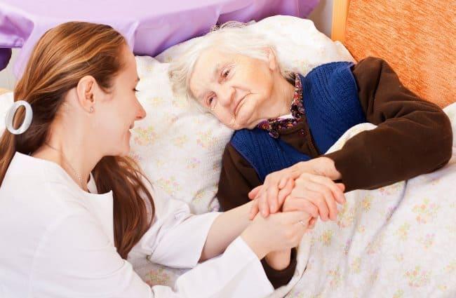Рис. 5. Уход за пожилым человеком требует моральных сил и наличия свободного времени
