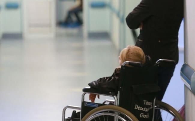 Рис. 2. Получение инвалидности начинается с посещения больницы