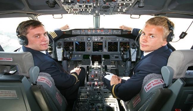 Рис. 1. Первый и второй пилот