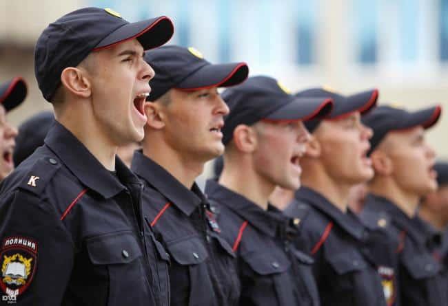 Рис. 2. Молодежь, несмотря на средний уровень зарплаты, считает работу в полиции перспективной
