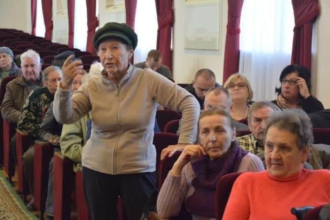 Рис. 3. Встреча инициативной группы пожилых краснодарцев в администрации Краснодарского края