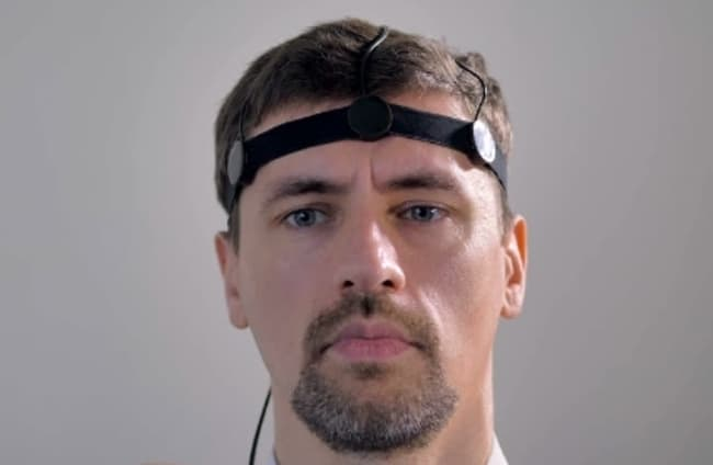 Рисунок 1. Крепление датчиков на голове.