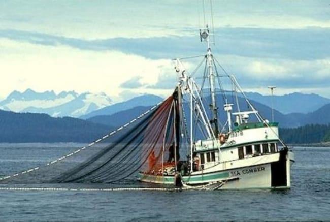 Рисунок 4. Рыболовецкое судно