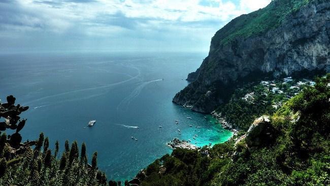 Рисунок 7. Вид на море с острова Капри