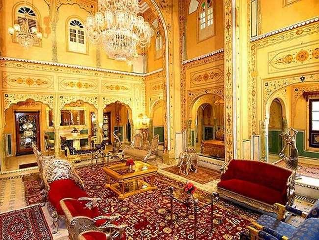 Рисунок 16. Presidential Suite at Raj Palace.