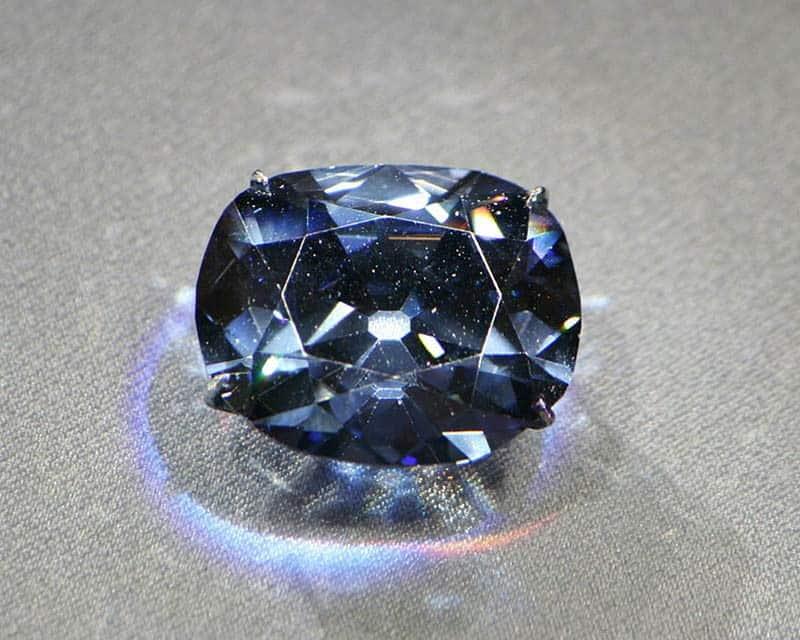 Рисунок 7. Алмаз Хоупа