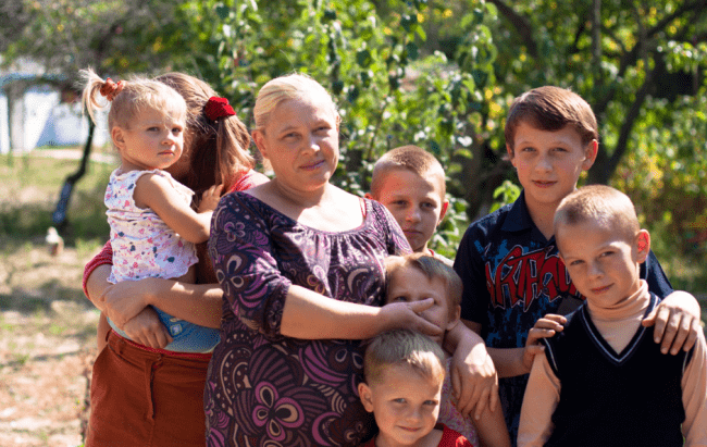 Рис. 1. Многодетным матерям оставили льготу досрочного выхода на пенсию
