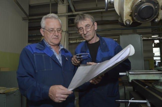 Рис. 2. Наукоемкие и рабочие профессии в производстве требуют высокой квалификации