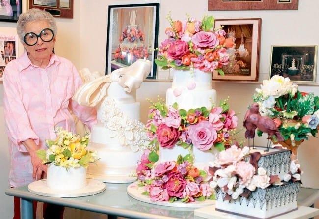 Рис. 6. 82-летняя пенсионерка – частный кондитер создает настоящие шедевры