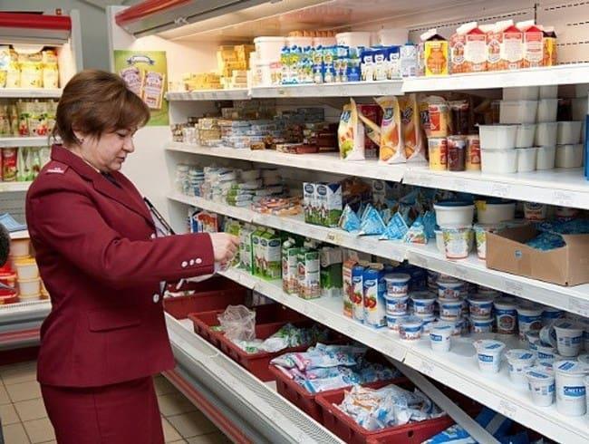 Рис. 1. Игнорирование требований покупателей соблюдать санитарные нормы и продажа просроченных продуктов могут стать поводом к внеплановой проверке сотрудниками Роспотребнадзора.