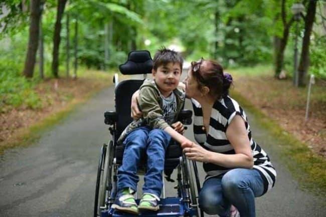 Рисунок 5. Стать опекуном или усыновить малыша с инвалидностью — сложное и ответственное решение