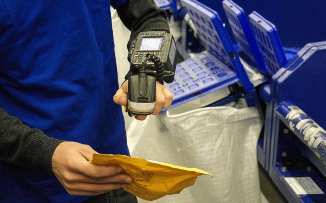 Рис. 3. Сортировка на Почте России происходит в полуавтоматическом режиме
