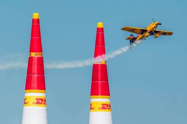Рис. 4 Воздушные гонки Red Bull Air Race