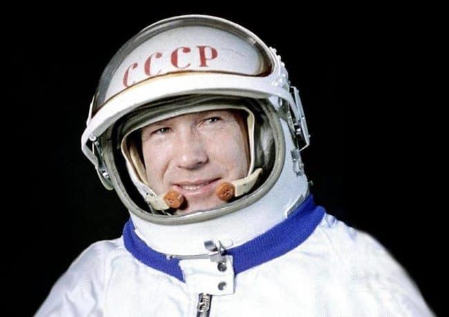 Рис. 5. Алексей Леонов – первый космолетчик, вышедший в открытый космос, дважды Герой Советского Союза