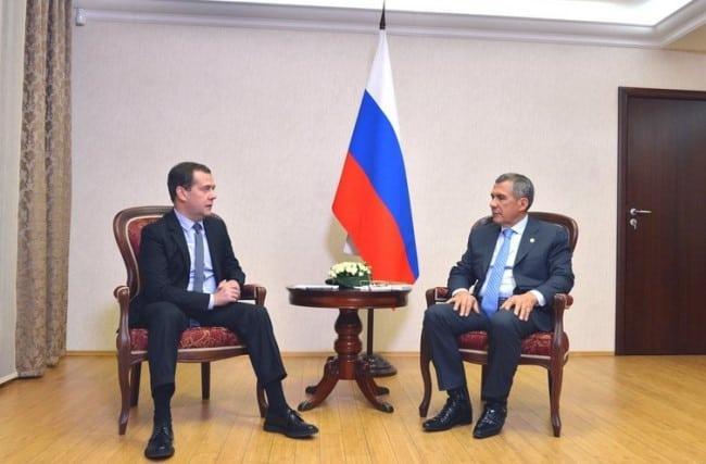 Рисунок 1. На официальной встрече с Дмитрием Медведевым