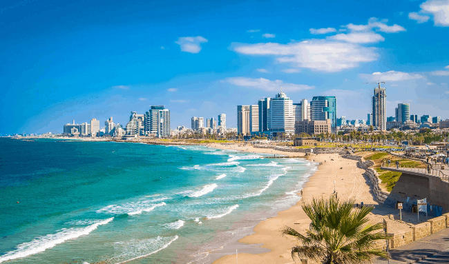 Рис. 1. Пляж в Тель-Авиве