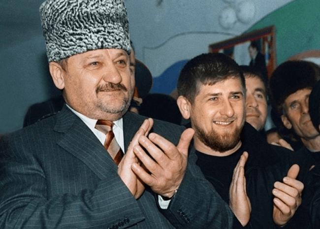 Рисунок 1. Ахмат Кадыров с сыном Рамзаном