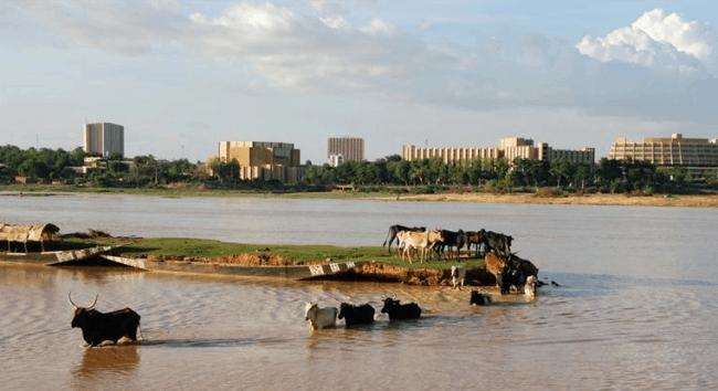 Рисунок 6. Вид на столицу Нигера с реки