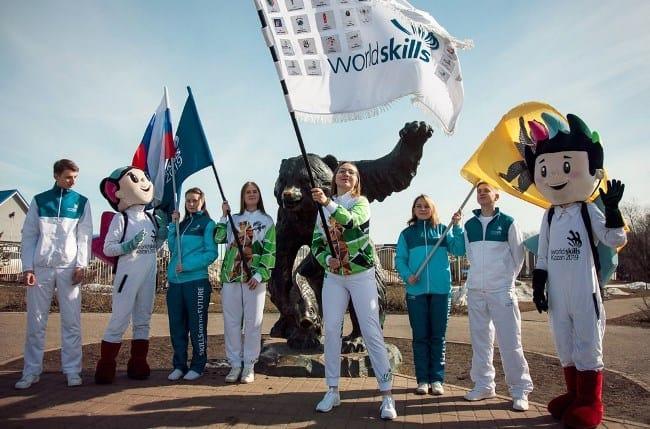 Рис. 2. Эстафета флага прибыла в Ярославль 5 апреля