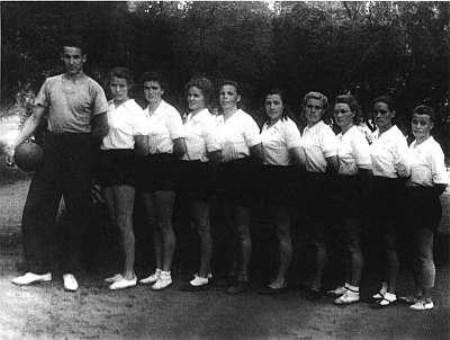 тренер женской команды