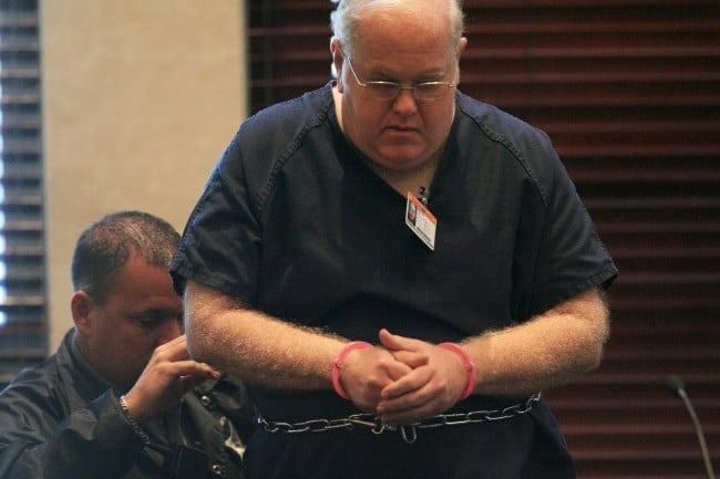 Рис. 1. Фото организатора в суде
