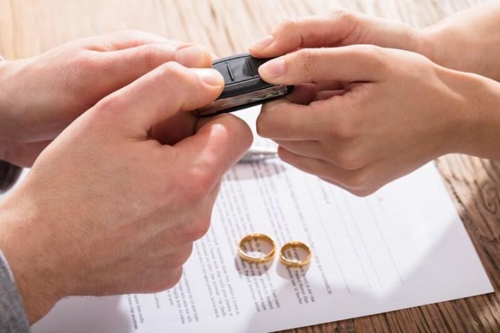 Рис. 4. Как разделить единственный автомобиль между супругами?