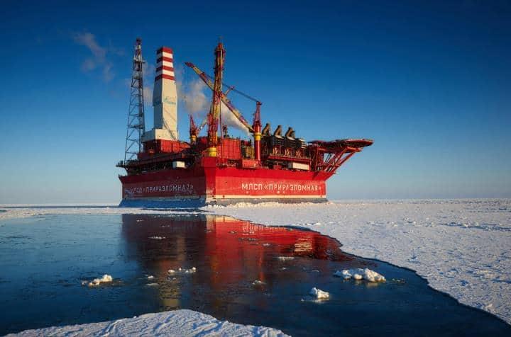 Рис. 4. Платформа «Приразломная» в Арктике