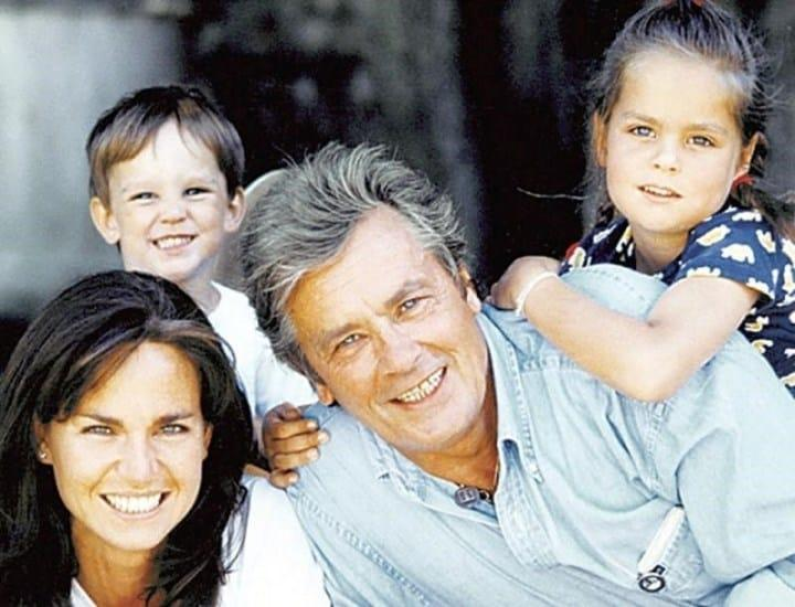 Рисунок 2. С Росали и детьми: Аннушкой и Ален-Фабьеном