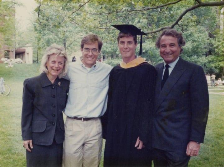 Рис. 2. Архивное семейное фото, с женой и сыновьями