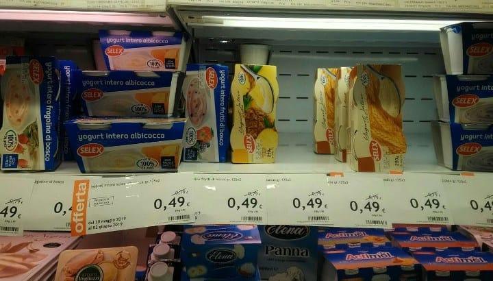 Рис. 2. Пример скидки на йогурты: было 0,79 евро, стало 0,49 евро. Источник: фото из архива автора Барбаевой В.В.
