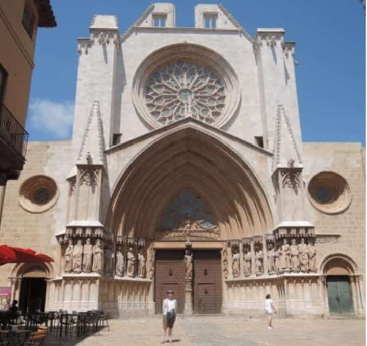 Рис. 3. После пропажи у древнего храма в Таррагоне. Источник: архив автора
