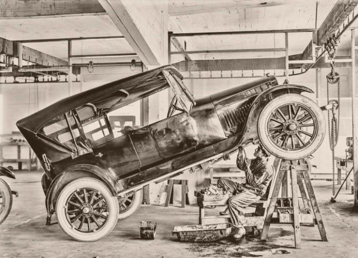 Рис. 9. Ломались первые машины регулярно