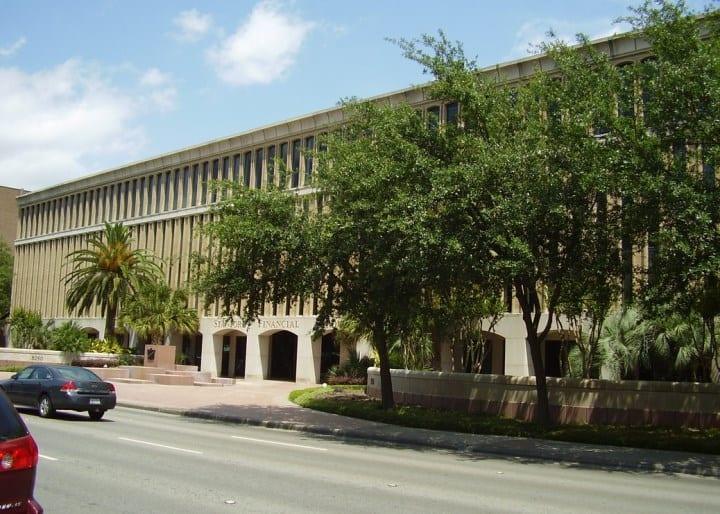 Рис. 1. Штаб-квартира Stanford Financial Group
