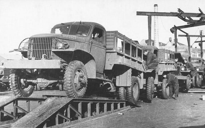 Рис. 2. Автомобили ленд-лиза на советской территории