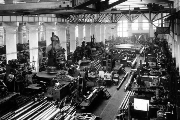 Рис. 6. Рабочие завода Rheinmetall-Borsig в Дюссельдорфе