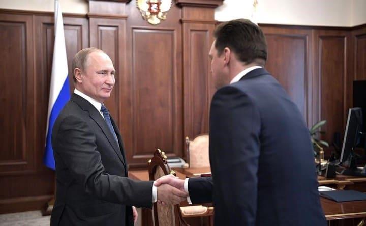 Рисунок 1. Николай Радиевич Подгузов на встрече с Президентом России В.В. Путиным