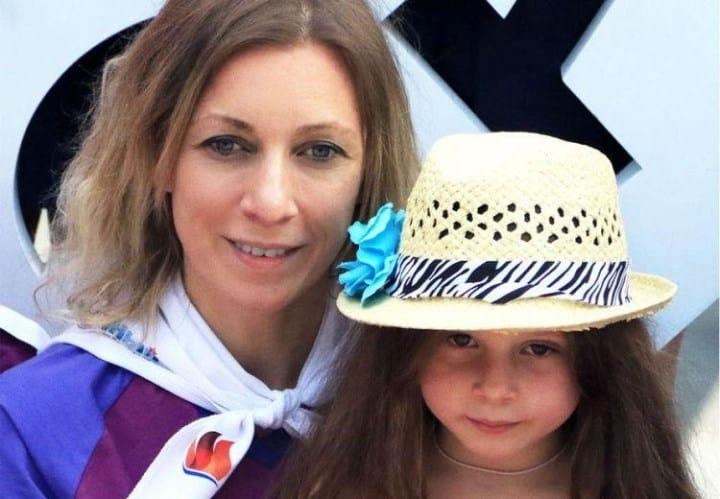 Рисунок 1. Официальный представитель МИД РФ М.В. Захарова с дочерью