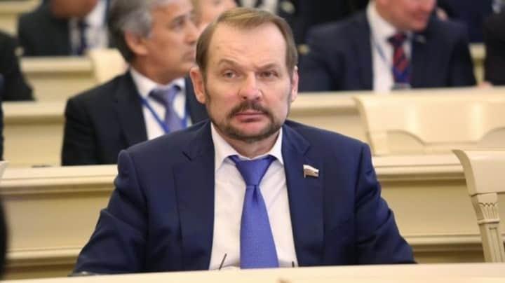 Рисунок 3. С.В. Белоусов, сенатор от законодательного (представительного) органа государственной власти Алтайского края