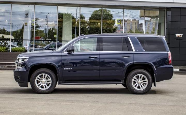 Chevrolet Tahoe 6.2 AT 4WD