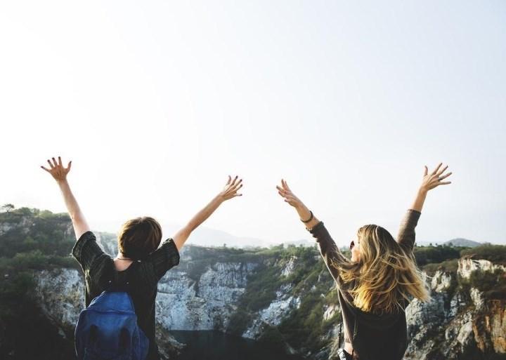 Рис. 1. Если деньги тратились на совместный отдых, долги признают общими. Источник изображения rawpixel с сайта Pixabay