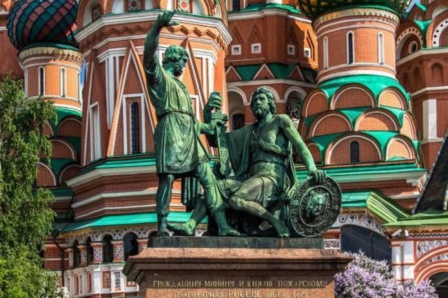 Фото: памятник Минину и Пожарскому, Москва. Источник: Светлана Б./travelalltogether