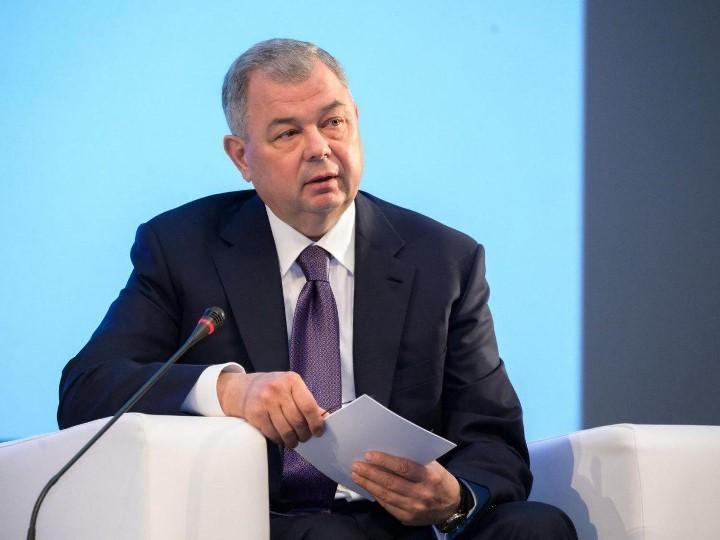 Губернатор Анатолий Артамонов
