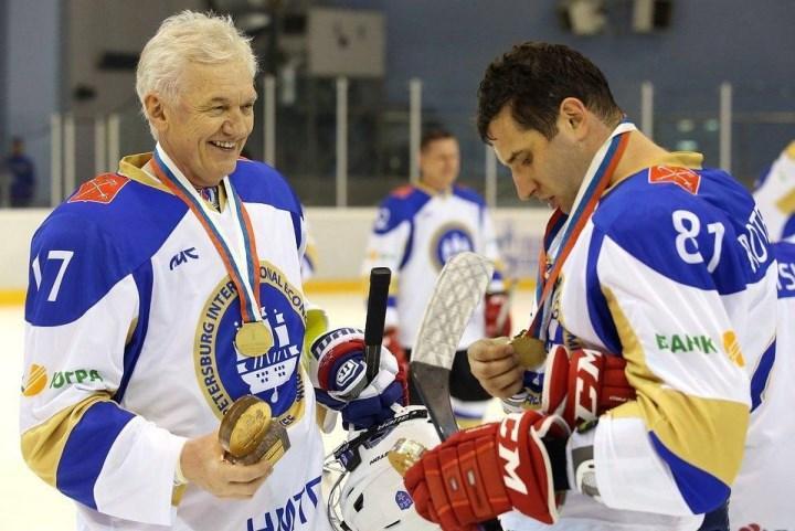 Тимченко и Ротенберг сыграли в хоккейном матче в рамках ПМЭФ-2016