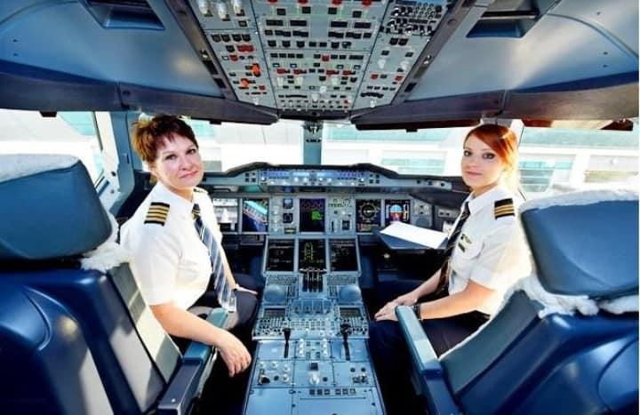 Фото: Женский экипаж авиакомпании Emirates. Источник: Деловой авиационный портал