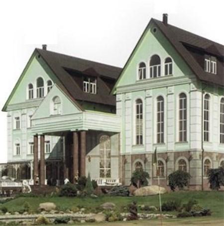 усадьба в Салтыковке после частичного восстановления.